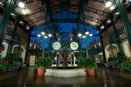 Disney's Port Orleans - French Quarter Lobby