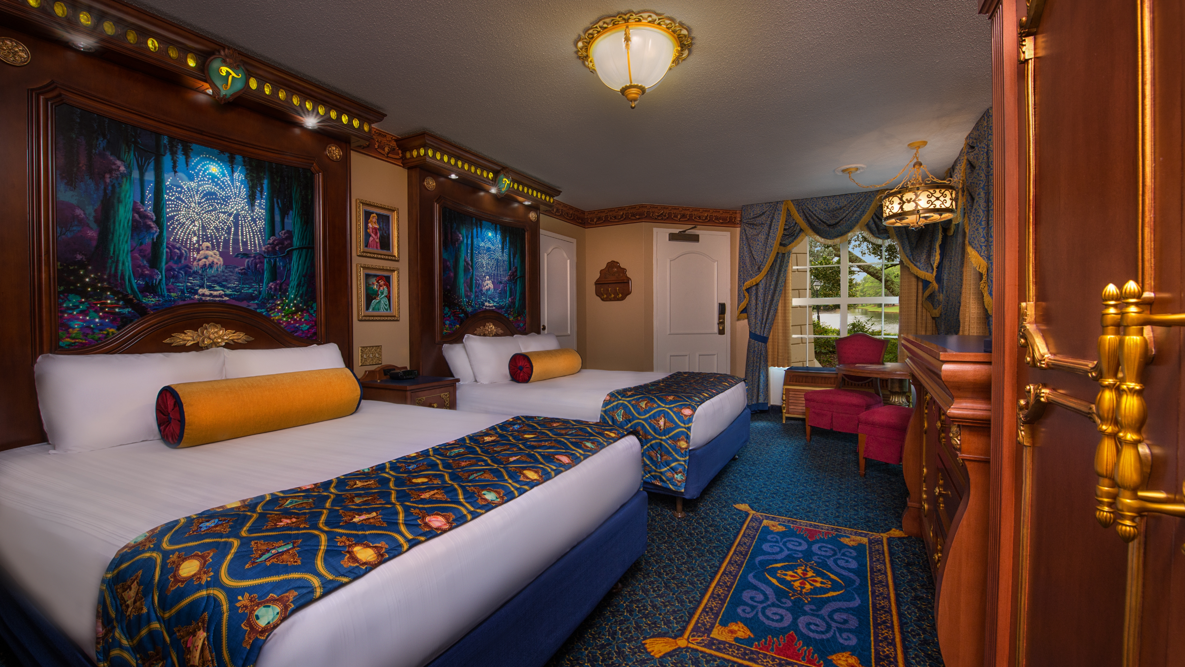 Royal Guest Room River View Themeparkbeds Com