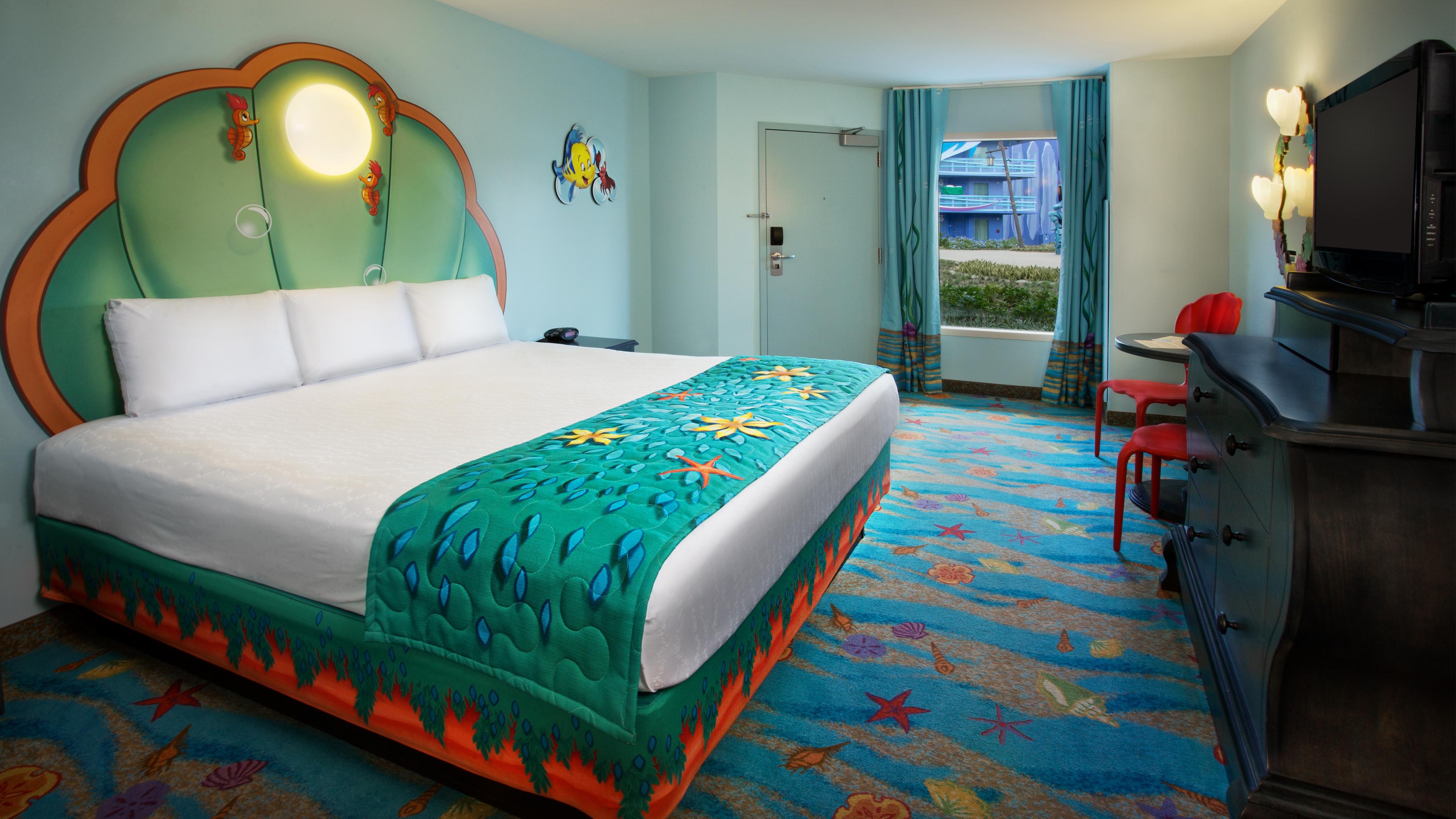 The Little Mermaid Standard Room | themeparkbeds.com