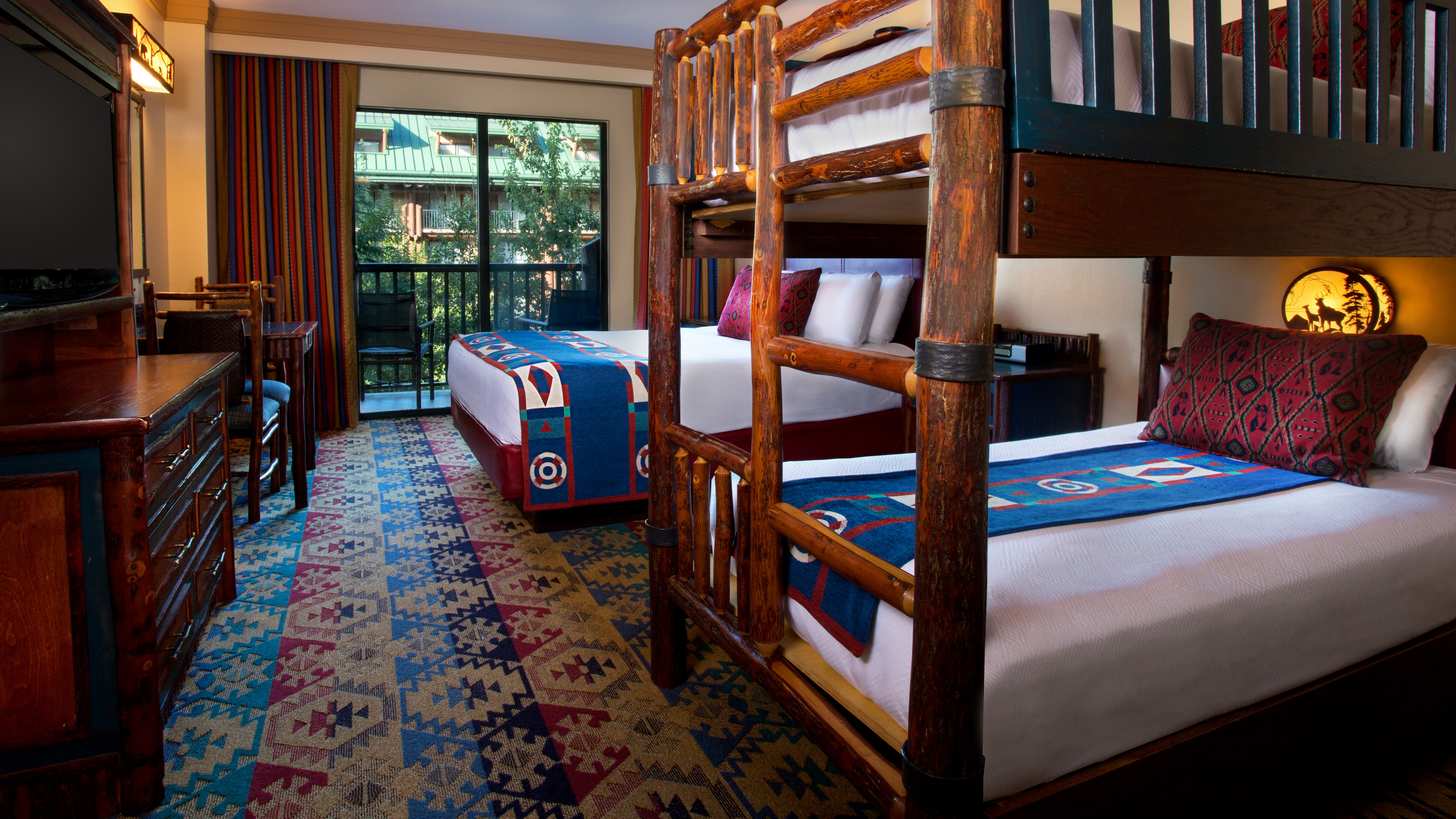 Courtyard View Bunk Bed Themeparkbeds Com